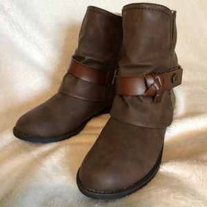 Women's Blowfish Boots Size 6 Brown !New in Box!
